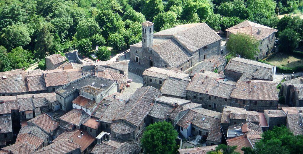 Il borgo di Radicofani visto dalla Rocca.