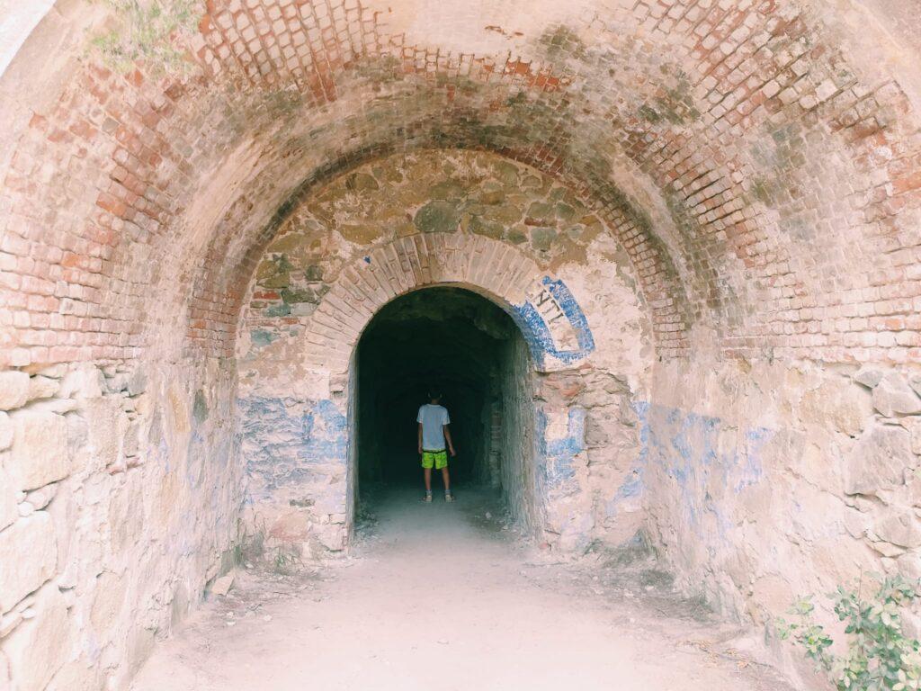 Elba, tunnel a Capo Enfola.