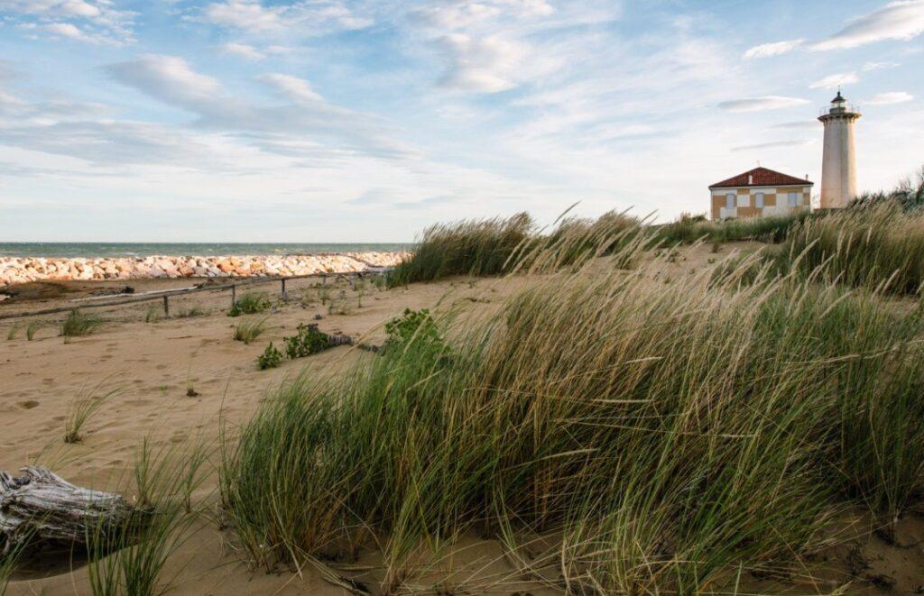 Bibione, spiaggia libera al faro.